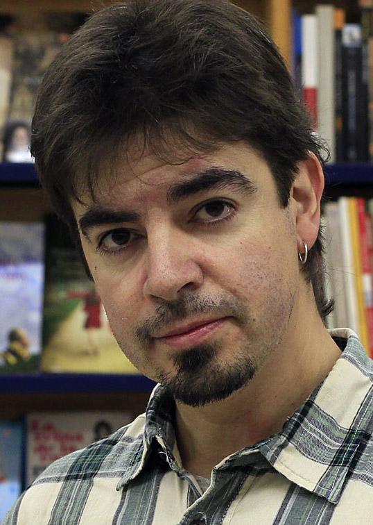 *A: JOSE CARLOS CORDOVILLA  *F: 18-12-2012 *P: MIKEL ZUZA VINIEGRA *L: PAMPLONA *T: PRESENTACION LIBRO